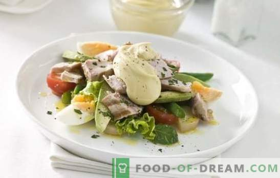 Salades met ei en mayonaise - een hartige traktatie. Originele recepten van bladerdeeg en eenvoudige gemengde salades met eieren en mayonaise