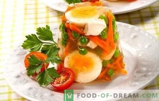 Een stuk kip met gelatine is een delicaat gerecht voor de vakantie en het dagelijks leven. De beste recepten van gelatineerde kip met gelatine