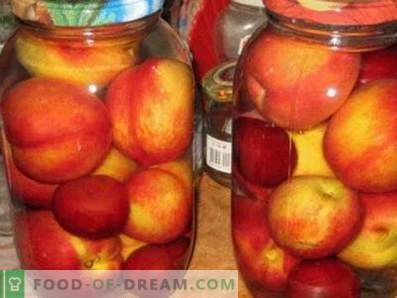 Compote van nectarines voor de winter