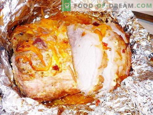 Varkensvlees gebakken in de oven - de beste recepten. Hoe goed en smakelijk varkensvlees in de oven te koken.
